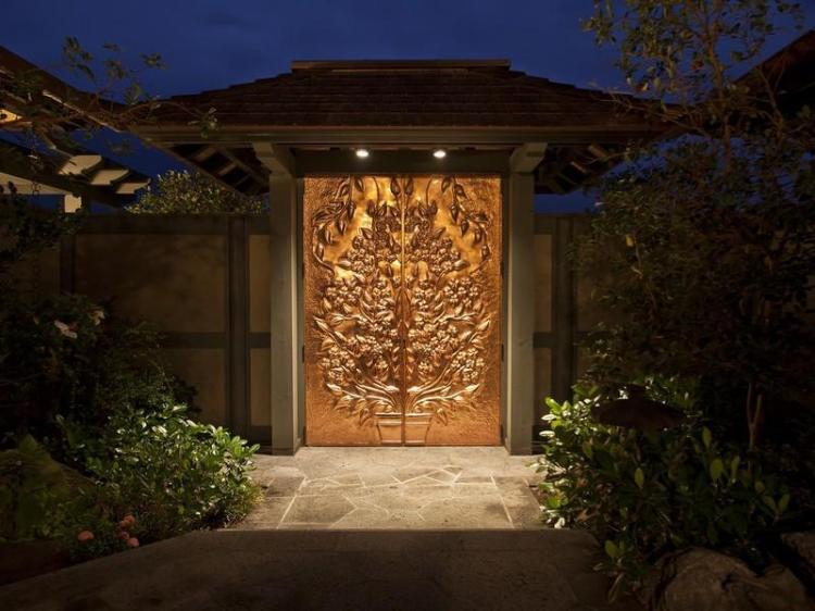 Golden-Door-at-Entry-