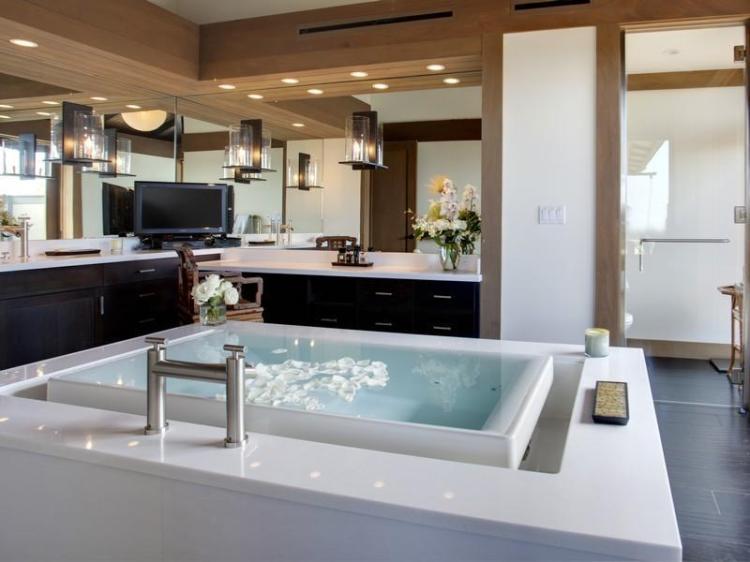 Master-Bathroom-Reflection-